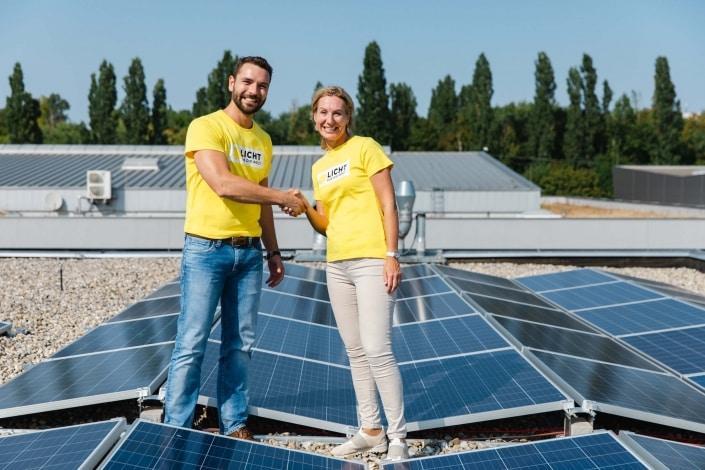 LDS Lederer Geschäftsführer Michael Lederer mit Licht für die Welt Geschäftsführerin Sabine Prenn