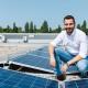 Dr. Michael Lederer, Geschäftsführer von LDS Lederer, glücklich vor neuer 30 kWp Photovoltaikanlage