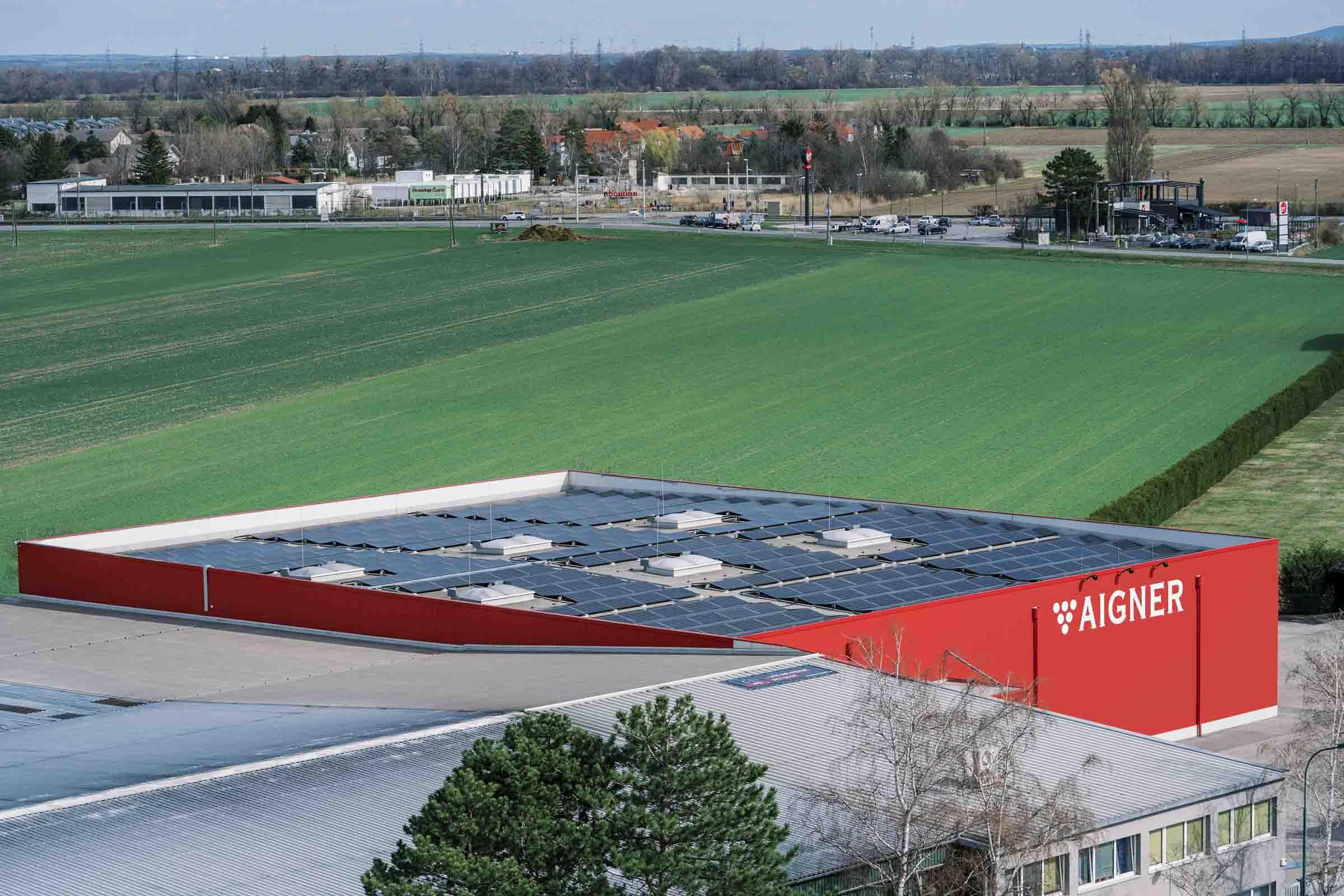 200 kWp starke Photovoltaikanlage von Weinkellerei Aigner GmbH
